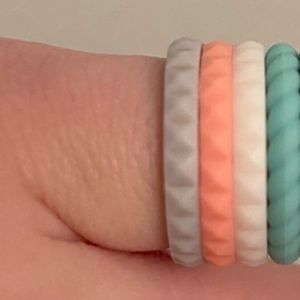 4 Enso Silicone Rings